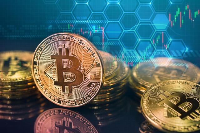 Prekybininko bitkoinais vaizdas Kataras draudžia kriptovaliutą